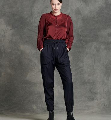 HIGH Pantalón jogger con pespuntes - 1