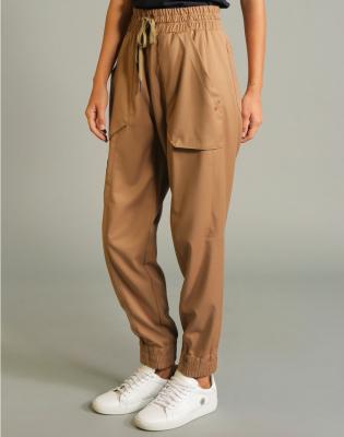 HIGH Pantalón jogger con pespuntes - 8