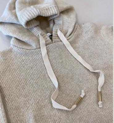 ALBA CONDE Jersey con capucha crudo