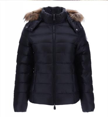 JOTT  Abrigo plumífero negro corto con capucha con pelo