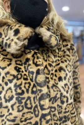 KARL LAGERFELD Abrigo con pelo con estampado de leopardo - 2