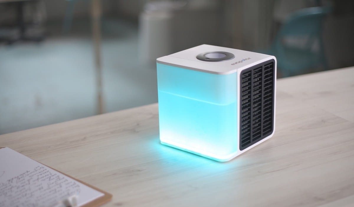 El aire acondicionado portátil que funciona con agua y cabe en una mochila