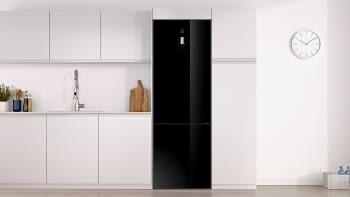 Frigorífico Combi Balay 3KFE768BI de 203x60cm   Color Cristal Negro   cajón ExtraFresh   Iluminación LED   Clase E - 2