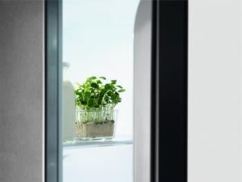Congelador Vertical Electrolux LUT7ME28X2 | INOX | 186 x 59.5 cm | No Frost | Motor Inverter | Clase E - 6