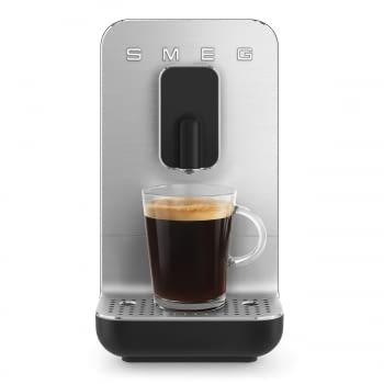Cafetera Negra Smeg BCC01BLMEU 50'Style con Molinillo Integrado  1 Tipo de Té & 7 de Café   Sistema Anti-Goteo   100% Automática - 10