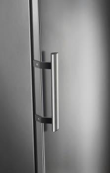 Congelador Vertical Electrolux EUF2744AOX Libre Inox de 186 cm No Frost FastFreeze Clase A+ - 3