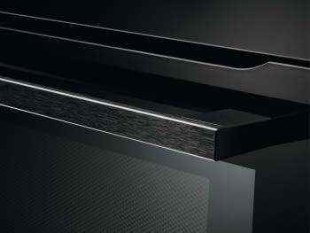 Horno Microondas AEG KME761000B Compacto 45cm Esmaltado Cristal Negro Grill de 1900 W con 19 funciones disponibles - 8