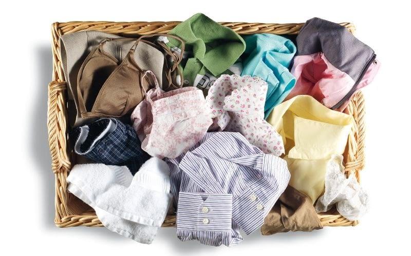 Imagen ropa en una cesta