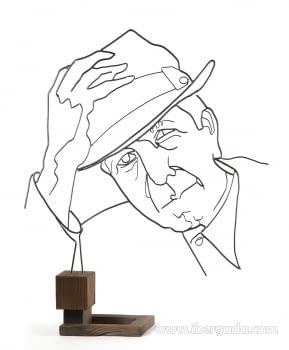 Escultura Leonard Cohen (53x13x70)