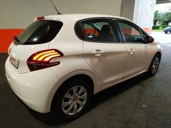 Peugeot 208 Pure Tech - 2