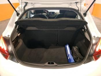 Peugeot 208 Pure Tech - 5