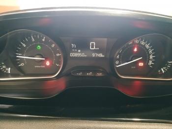 Peugeot 208 Pure Tech - 8