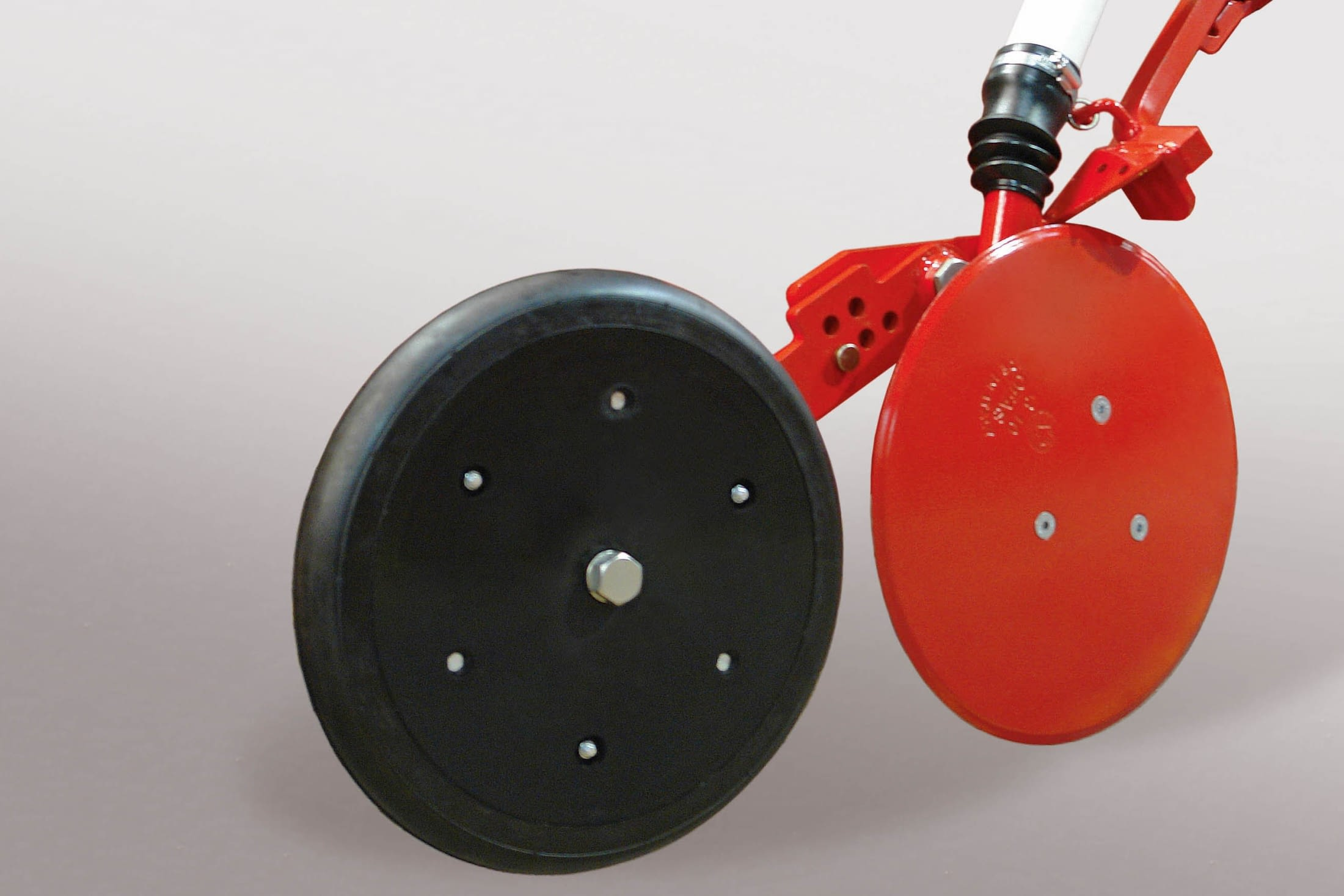Depth control wheels on disc models