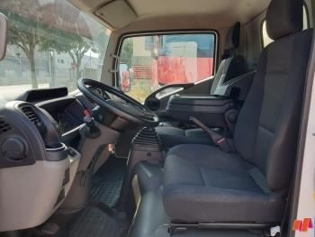 Renault Maxity 130 DTI - 11