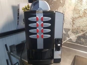MAQUINA VENDING CAFE EN GRANO NECTA COLIBRI C5 SIN MUEBLE INFERIOR PARA SOBREMESA