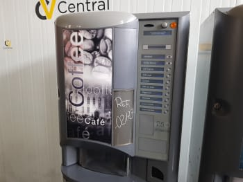 MAQUINA VENDING DE CAFE EN GRANO NECTA BRIO 250