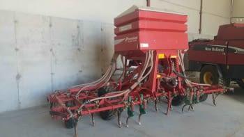 Sembradora de siembra directa/convencional KVERNELAND modelo TS-EVO