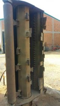 Trituradora lateral SERRAT de 2'00 m.  de trabajo.