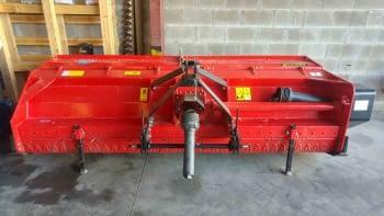 Trituradora AGRATOR MODELO T-3100 de 3'10m de labor