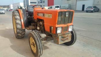 Tractor KUBOTA modelo M5030V
