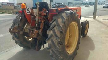 Tractor KUBOTA model M5030V - 2