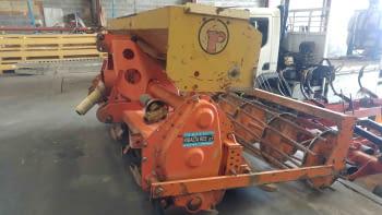 Fresa HOWARD modelo HI-100 de 2.50m de labor con sembradora RIMASA - 1