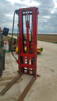 Elevador hidráulico RODA, levanta hasta 2.50m
