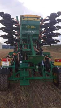 Sembradora de siembra  directa GIL modelo AIRSEM de 6.00m - 7