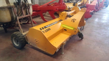 Trituradora SERRAT modelo T-2500, de 2.50m de trabajo. - 1