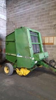 Rotoempacadora  JOHN-DEERE 550 - 1
