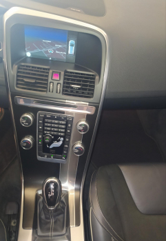 VOLVO XC60 2.0 D4 RDesign Momentum Auto - 17