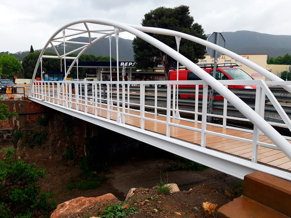 Puente y pasarela