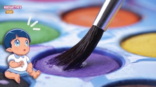 Nil aprende a pintar con acuarelas y... ¡Te lo enseña!