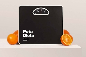 La PUTA BÁSCULA (Weighing scale)
