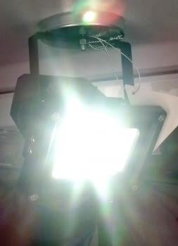 FOCO LED RECARGABLE CON PIE + IMAN DE 10W - 2