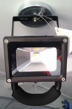 FOCO LED RECARGABLE CON PIE + IMAN DE 10W - 3