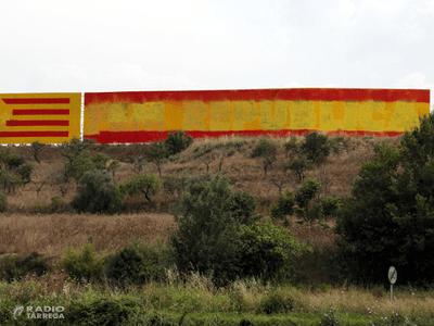 Pinten una bandera espanyola en un dels murals per la república catalana més grossos de Ponent