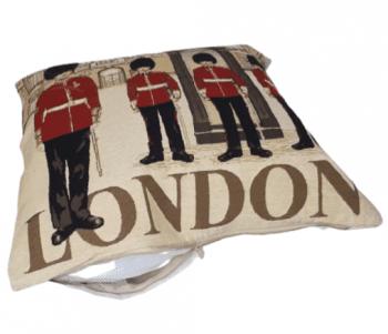 Funda cojín guardia London 45 x 45 - 2
